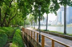 Тропа в общественном парке Бангкока, Таиланда Стоковые Изображения