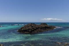Тропическая вода бирюзы острова Стоковые Фото