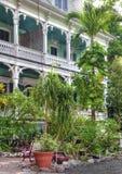 Тропическая листва и викторианская архитектура; Key West стоковые фото