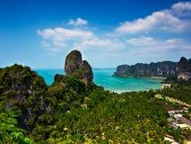 Тропическая панорама ландшафта пляжа. Таиланд Стоковые Фотографии RF