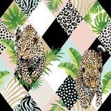 Тропические листья ладони и экзотическая предпосылка леопарда Стоковая Фотография RF
