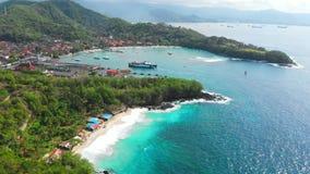 Тропические пляж и порт и паром и голубой океан r видеоматериал