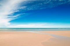 Тропические пляж и море Стоковое Фото
