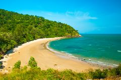 Тропический красивый пляж в национальном парке Mu Ko Lanta, Koh Lanta, Krabi стоковое изображение rf