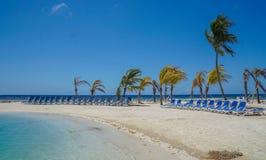 Тропический песчаный пляж карибского моря рая Стоковые Изображения