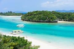 Тропический рай острова лагуны Окинавы Стоковая Фотография RF