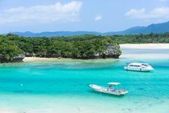 Тропический рай острова лагуны Окинавы Стоковое Изображение RF