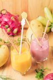 Тропический свежий smoothie в стекле Стоковые Фото