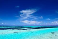 Тропический seascape в Мальдивах Стоковая Фотография