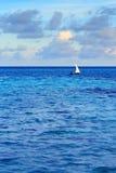 Тропический seascape утра в Мальдивах Стоковые Изображения