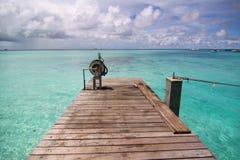 тропическое моря пристани Мальдивов малое Стоковые Фото