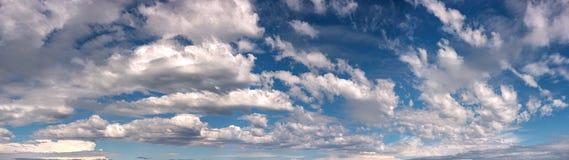 Тропическое образование облака, австралийская панорама неба стоковое фото rf
