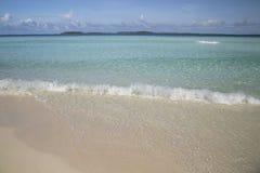 Тропическое перемещение пляжа острова и песка экзотическое Стоковые Фотографии RF