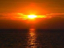 Тропическое пламенистое солнце Camogia Стоковые Изображения RF
