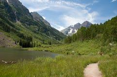 тропка maroon озера Стоковое Изображение
