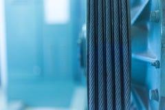 Тросовое управление обслуживания вала лифта Стоковые Изображения RF