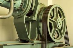 Тросовое управление обслуживания вала лифта Стоковая Фотография RF