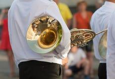 Трубач с стартом ожиданий французского рожка парада Стоковые Фотографии RF