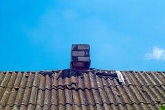 Труба на крыше chimney улица toronto деревенского дома Канады Дом с печной трубой стоковое фото