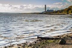 Трубопровод на утесистом пляже Стоковые Фотографии RF