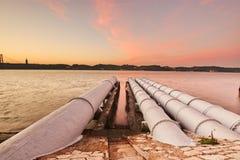 Трубопровод системы охлаждения электростанции электричества Стоковая Фотография