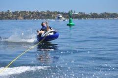 Трубопровод воды skiiing предназначенный для подростков мальчик Стоковая Фотография RF