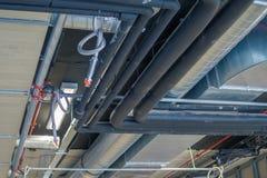 Трубы вентиляции и кондиционера топления системы HVAC стоковые изображения rf