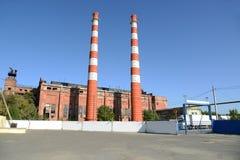 Трубы старого завода стоковые изображения