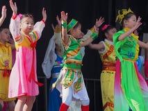 Труппа танца китайских детей Стоковое Изображение