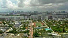 Трутень воздушное Miami Beach с взглядом hyperlapse залива сток-видео
