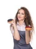 Трудный выбор между 2 тортами Стоковое Фото
