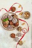 трюфеля шоколада вкусные Печенье испечет в форме шариков стоковые фотографии rf