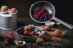 трюфеля изолированные шоколадом белые Стоковые Фото