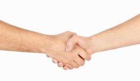 Трястиющ руки 2 мыжских изолированных людей Стоковая Фотография