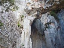 Тряхните образование известняка пещеры в ligure filane в Италии стоковое фото rf