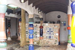 туалеты kanakwa hundertwasser общественные стоковые фото