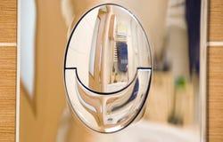 туалет кнопки полный Стоковая Фотография RF