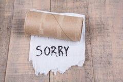 Туалетная бумага свертывает из бумаги с сообщением Стоковое Изображение