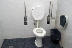 Туалет для люди с ограниченными возможностями стоковое изображение