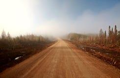 туманная весна saskatchewan дороги утра Стоковое Изображение