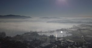 Туманная долина утра сток-видео
