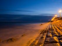 Туманное море в красивой Италии Стоковые Изображения