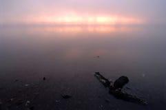 туманное розовое surise реки Стоковое Фото