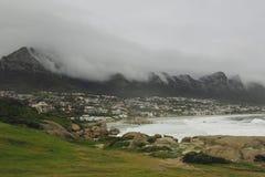 Туманное утро в Кейптауне. Стоковые Фотографии RF