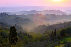 Туманное утро на Toscana Стоковая Фотография RF