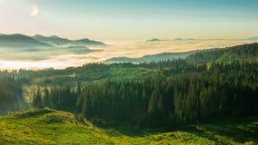 туманные горы утра