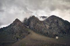 Туманные горы overcast Стоковое фото RF
