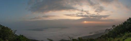 Туманные холмы Стоковое Фото