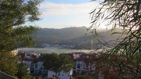 Туманный день в долине стоковое изображение rf