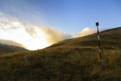 Туманный заход солнца Стоковые Изображения RF